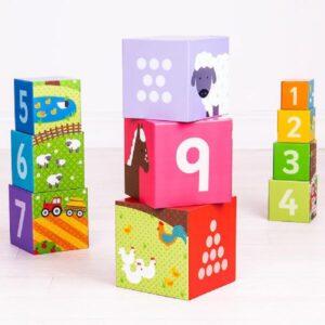 stableklodser, gaver til 2 årige, 2 år gaver, lærerige gaver, stableklodser med tal, stableklodser med dyr, stableklodser med farver