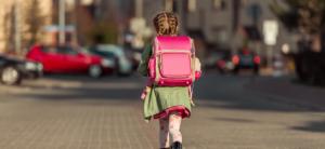 skoleklar, gør dit barn skoleklar, skoleklar barnbarnets første skoletaske, find den rigtige skoletaske, bedste skoletaske 2018, bedste skoletaske 2017, guide til køb af skoletaske, sådan finder du den rigtige skoletaske til dit barn, barnets første skoletaske, skoletasker til piger