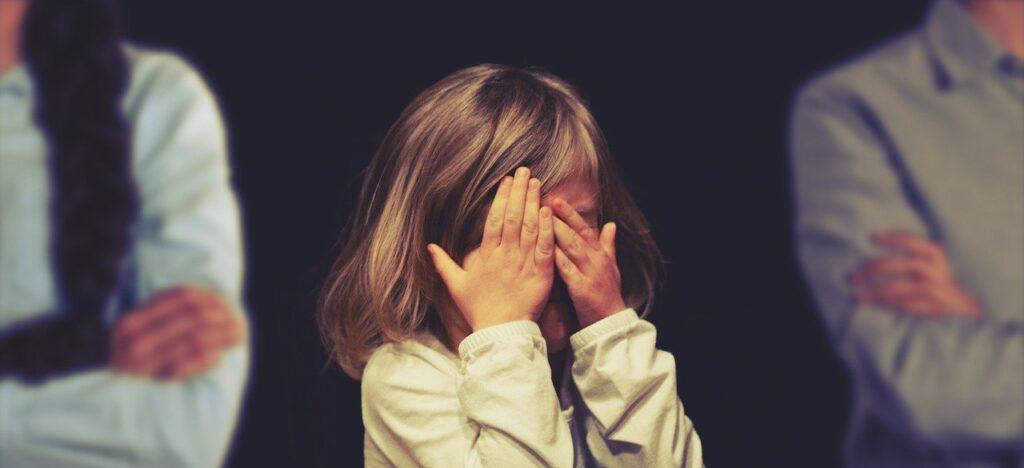 guide til skolestart, stresset skolebarn, børn begynder i skole, skolestarts guide, gode råd til skolebørn, Børn, vrede børn, stresset børn